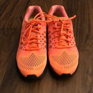 Nike Pegasus 31 bright orange & black size 9.5